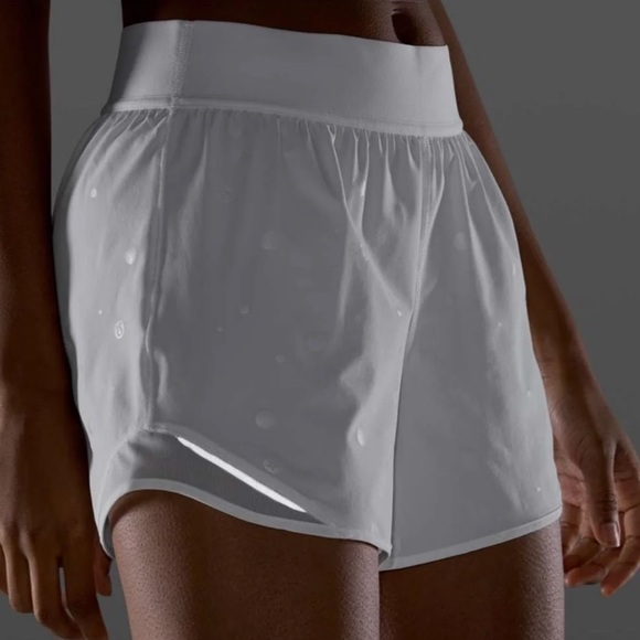 "Lululemon hotty hot short 4"" *logo"